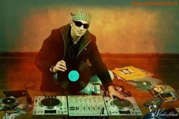 DJ SOUND SYSTEM firma na twoje wesele, DJ na wesele Szczytna