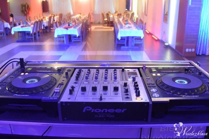 Kompleksowe usługi DJ-skie na wesele, dekoracja światłem, Piła Kościelecka - zdjęcie 1