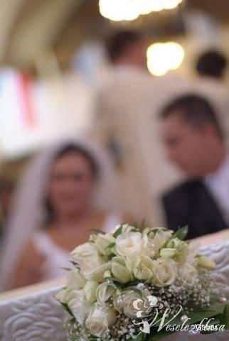 Dekoracje ślubne kościołów, samochodów, wiąz, Kwiaciarnia, bukiety ślubne Środa Śląska