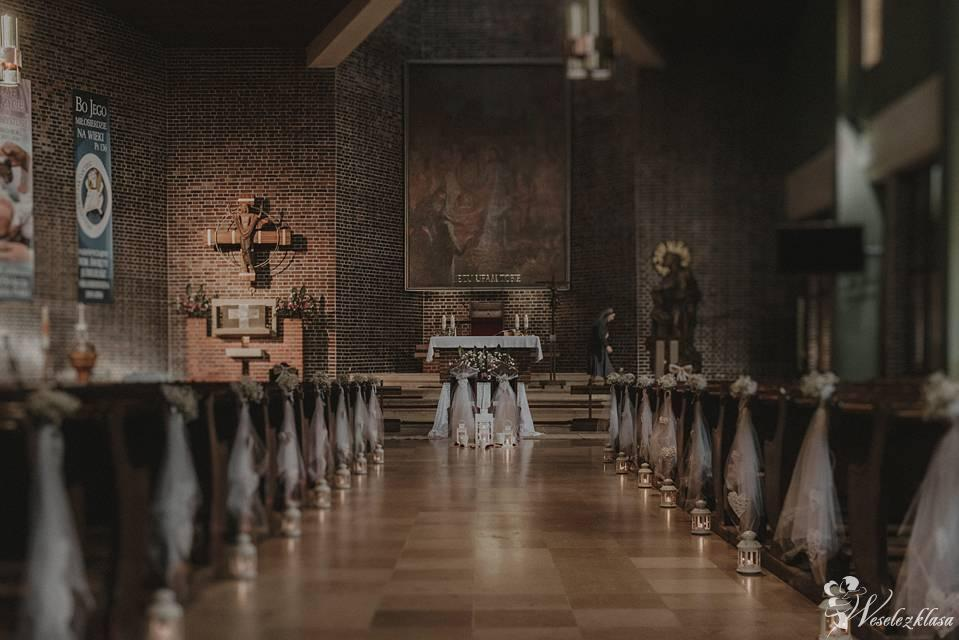 Dekoracja Kościołów -Ślubów w plenerze -Florystyka ślubna - Napis LOVE, Poznań - zdjęcie 1
