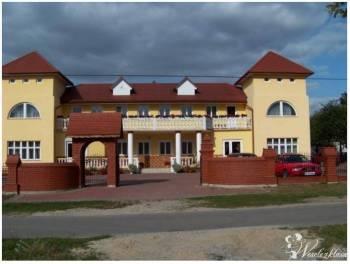 Dom Weselny w *Majdanie Sieniawskim*, Sale weselne Rzeszów