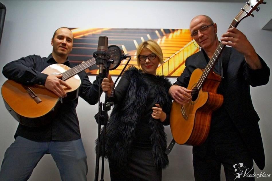 Kameralny zespół na ślub, lub przyjęcie weselne-gitara,skrzypce,wokal, Łódź - zdjęcie 1