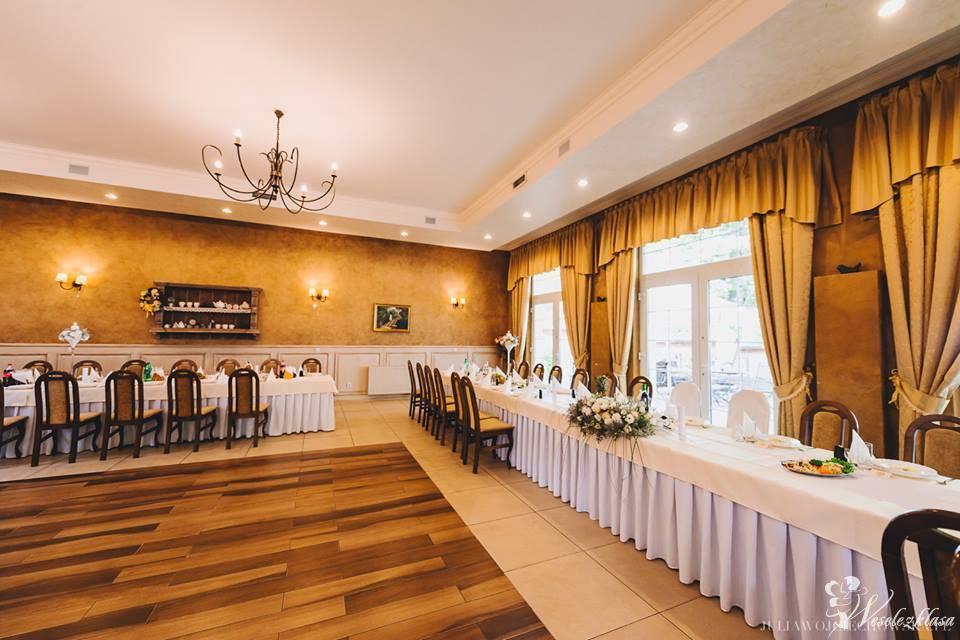 Restauracja Jabłona, Powidz - zdjęcie 1