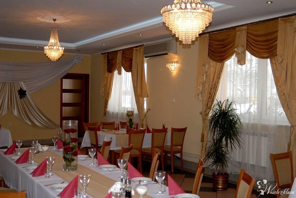 """HOTEL - RESTAURACJA """"U DINA"""", Lubaczów - zdjęcie 1"""