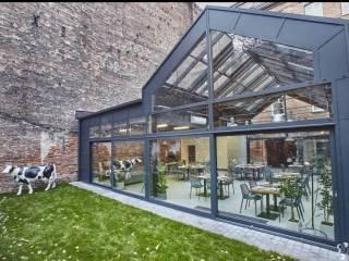 ARTBISTRO STALOWA 52 szklane patio w zabytkowej kamienicy,  Warszawa