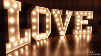 LOVE podświetlany napis, Dekoracje światłem Karwia
