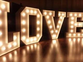 LOVE podświetlany napis, Dekoracje światłem Pruszcz Gdański