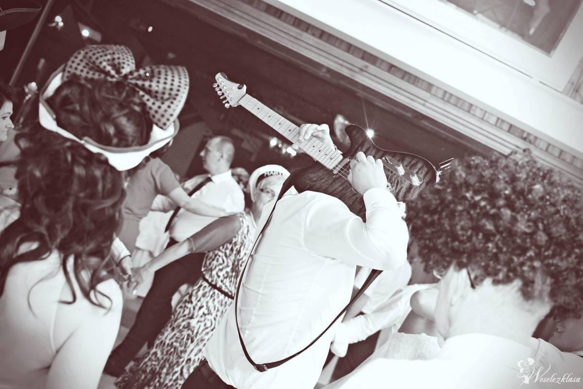 Sami Swoi - Szeroki repertuar, kolorowe światła, elegancki ubiór., Kartuzy - zdjęcie 1