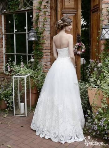 Laura suknie ślubne, Salon sukien ślubnych Brześć Kujawski