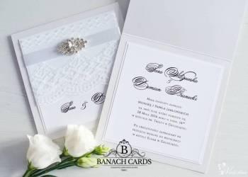 Pracownia Banach Cards -zaproszenia zdobione broszkami, Zaproszenia ślubne Bisztynek