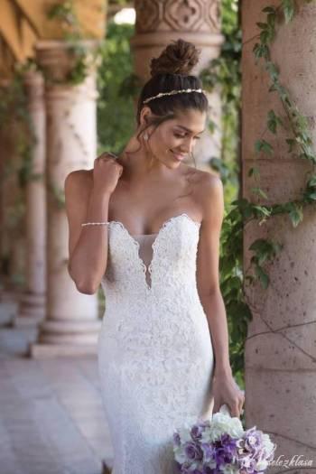 Salon sukien ślubnych CAROLINA PRESTIGE, Salon sukien ślubnych Skawina