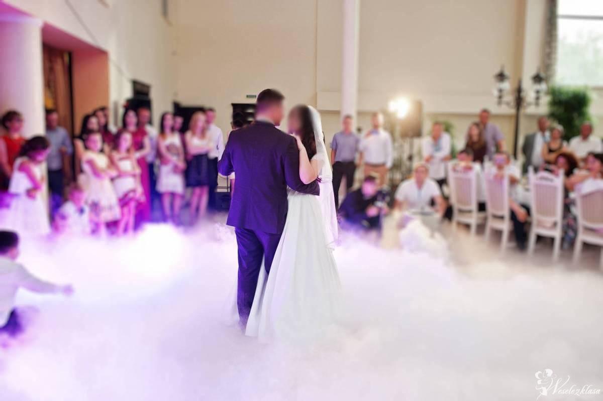 Taniec w chmurach, ciężki dym, wyjątkowy napis LOVE i inne atrakcje, Grodzisk Wielkopolski - zdjęcie 1