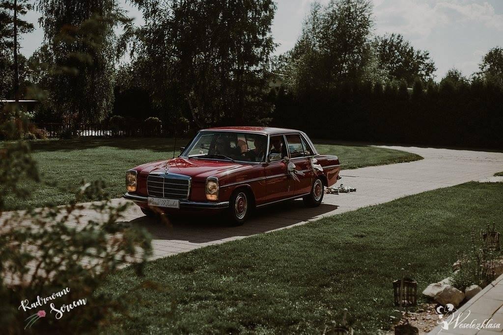 Czerwony Mercedes w115 1976r., Piaseczno - zdjęcie 1