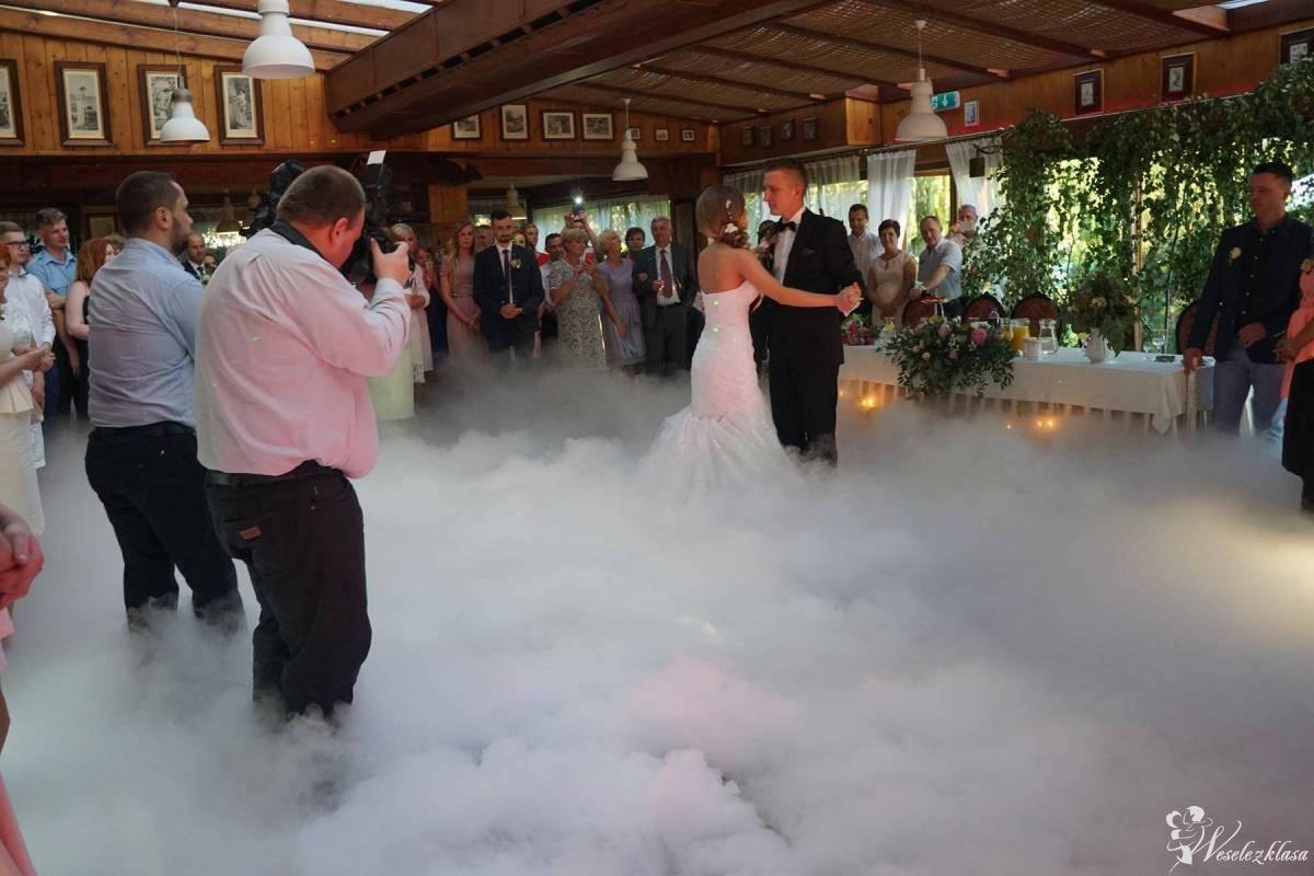 Ciężki dym pierwszy taniec,love,fotobudka,dekoracja led,dywan,bmw auto, Wieliczka - zdjęcie 1