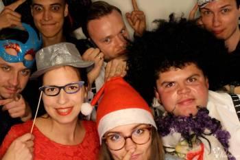 Fotobudka Cocorn Budka Selfie Mirror, napis LOVE, MIŁOŚĆ, ciężki dym, Fotobudka, videobudka na wesele Złotów