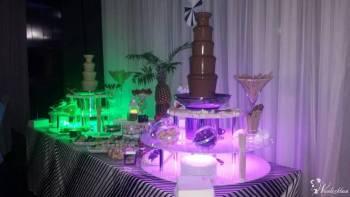fontanna czekoladowa z podswietlanym podestem, Czekoladowa fontanna Chęciny
