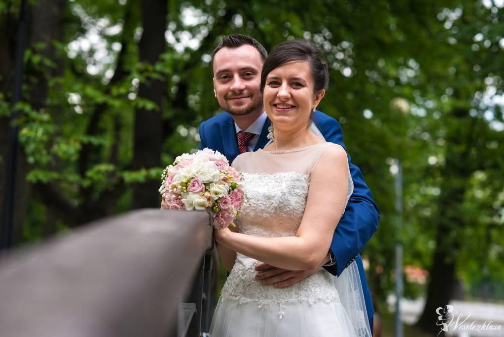 Klasyczny i ponadczasowy fotoreportaż z Waszego ślubu - Weselne Kadry, Wrocław - zdjęcie 1