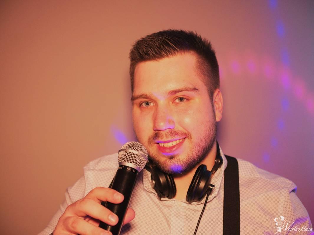 Michalski DJ/wodzirej + Foto/wideo (dekoracja światłem, dron) Pakiety!, Bydgoszcz - zdjęcie 1