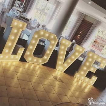 Napis LOVE | MIŁOŚĆ, Dekoracje światłem Jastrzębia Góra