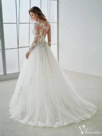 CLOO Salon Sukien Ślubnych, Salon sukien ślubnych Strumień