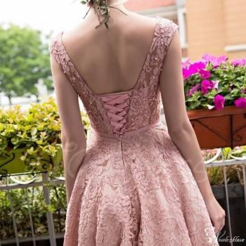 Modista- Pracownia Sukien Ślubnych, Salon sukien ślubnych Stawiski