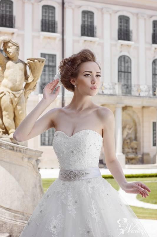 Salon sukien ślubnych Marry Me, Pionki - zdjęcie 1