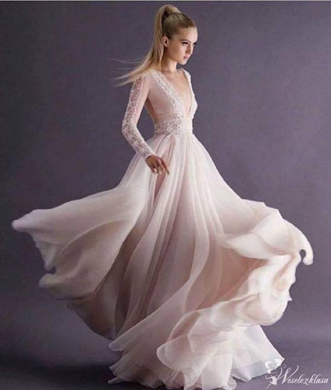 Salon sukien ślubnych NikolaB, Płock - zdjęcie 1