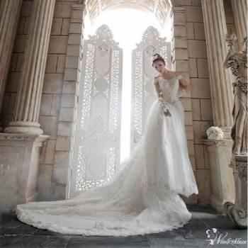 Salon Ślubny Scarlet, Salon sukien ślubnych Stawiski