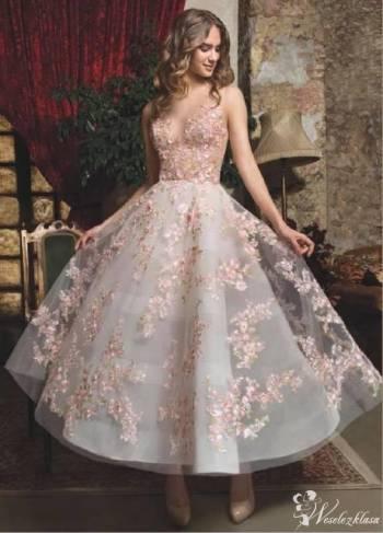 Lisa Ferrera- Salon Sukien Ślubnych, Salon sukien ślubnych Stawiski