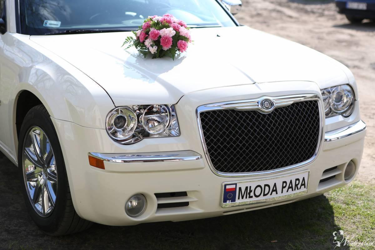 Chrysler 300c  do ślubu, Ostrów Wielkopolski - zdjęcie 1