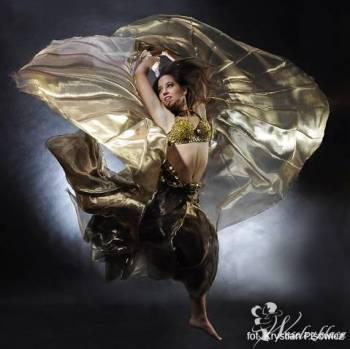 Zjawiskowy Taniec ze Skrzydłami, Bollywood Dance, Pokaz tańca na weselu Kraków