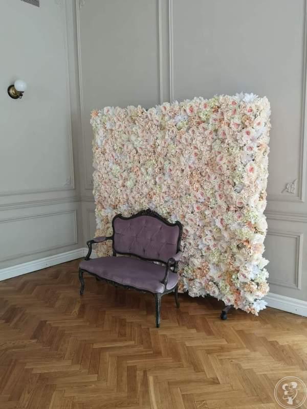 Ściana kwiatów, magiczne lustro, napisy, Aleksandrów Łódzki - zdjęcie 1