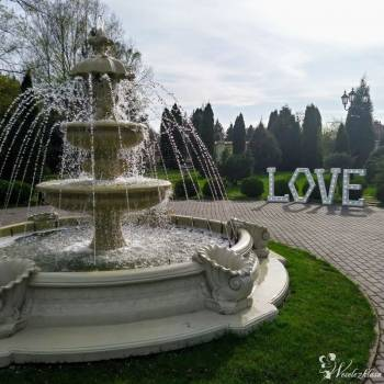 Napis LOVE z Czas się Weselić, Napis Love Ząbki