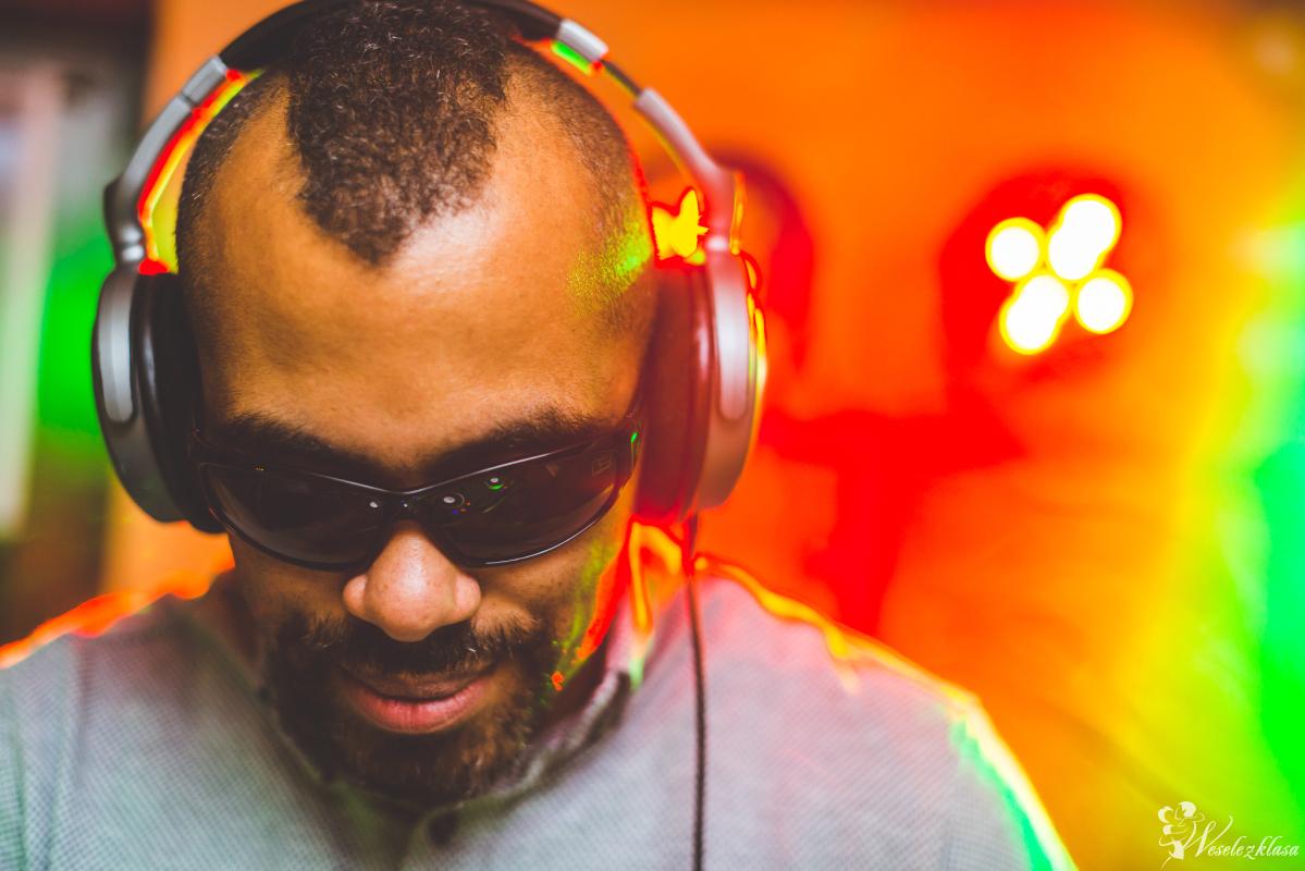 śpiewający DJ Maybeen - Piotr Mwaba - DJ, Wokalista PL ENG #otwieraMY, Luboń - zdjęcie 1