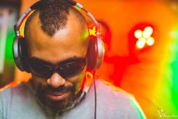 śpiewający DJ Maybeen - Piotr Mwaba - DJ, Wokalista PL ENG, DJ na wesele Kruszwica