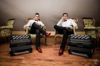 Akordeoniści Bayan Brothers - wyjątkowe muzyczne show!!!, Artysta Nowy Tomyśl