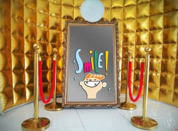 Fotobudka FotoLustro- Selfie Mirror Najnowszy Hit Imprezowy złote tło, Fotobudka, videobudka na wesele Supraśl