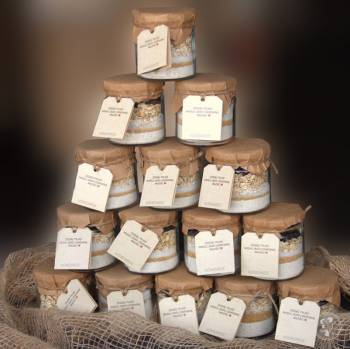 Najciekawsze słodkie upominki dla gości - mieszanki do wypieku ciastek, Prezenty ślubne Pilica