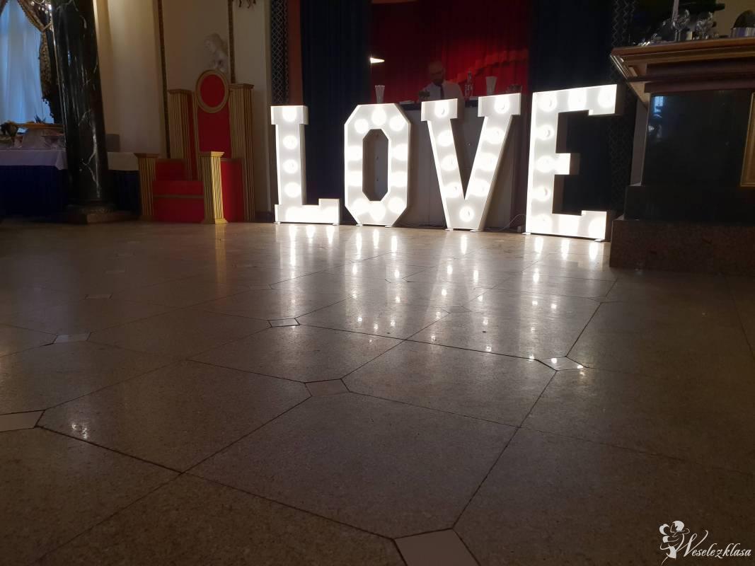 Napis LOVE w stylu retro, Warszawa - zdjęcie 1