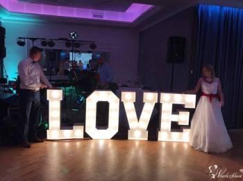 Dekoracje światłem, podświetlany, świecący napis LOVE, MIŁOŚĆ, litery, Napis Love Bielsko-Biała