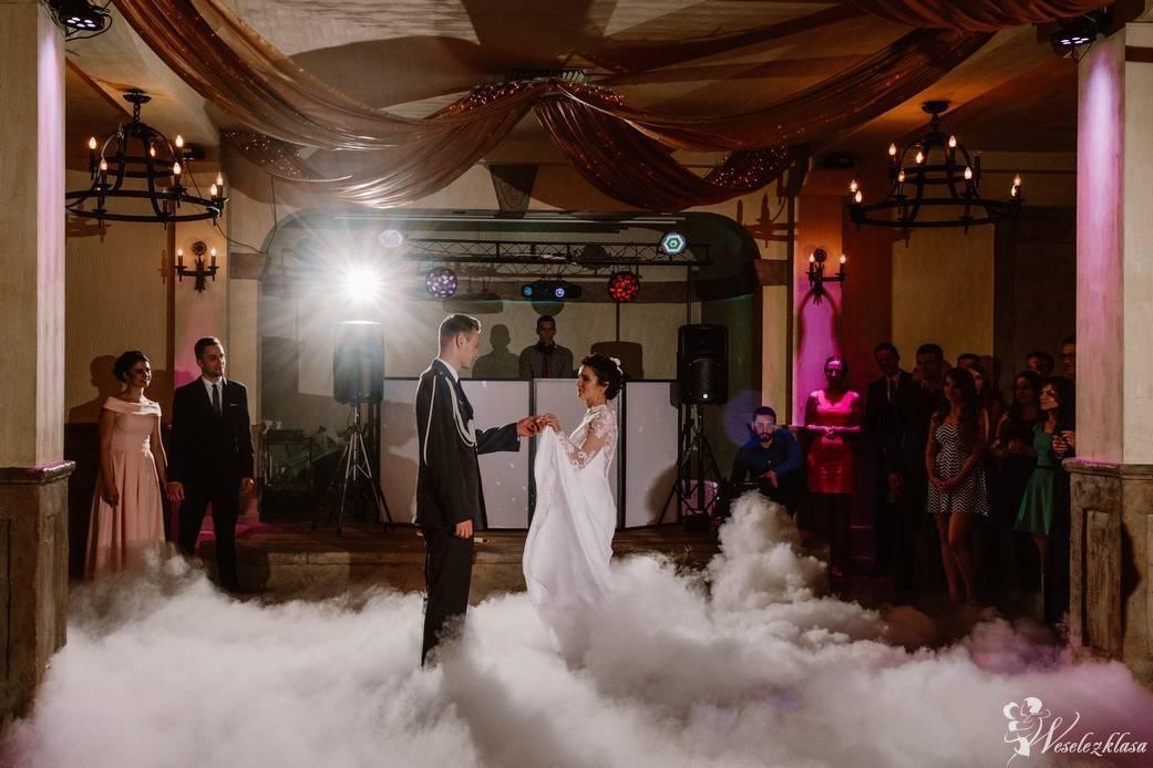 Ciężki dym - Taniec w chmurach | Dekoracja światłem | napis LOVE, Olsztyn - zdjęcie 1
