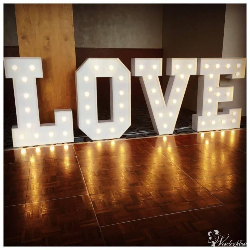 Napis Love , Kielce - zdjęcie 1