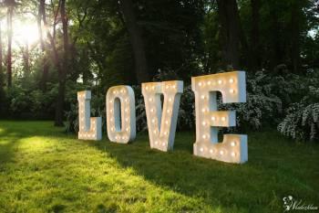 Napis LOVE, wynajem liter, piękna dekoracja ślubna litery, Napis Love Reszel