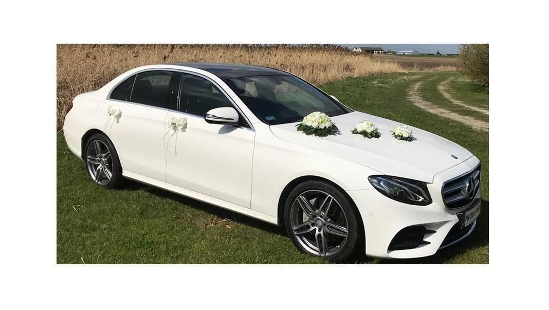 Piękny samochód do ślubu. Auto na ślub Mercedes AMG Biały, Piątek - zdjęcie 1