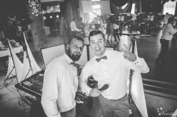 DJ & Wodzirej na Twoje wymarzone wesele NAPIS LOVE CIĘŻKI DYM, DJ na wesele Bełchatów