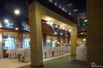 Bajkowe wesele w Ośrodku KNIEJA nad Jeziorem Rajgrodzkim, Sale weselne Mońki