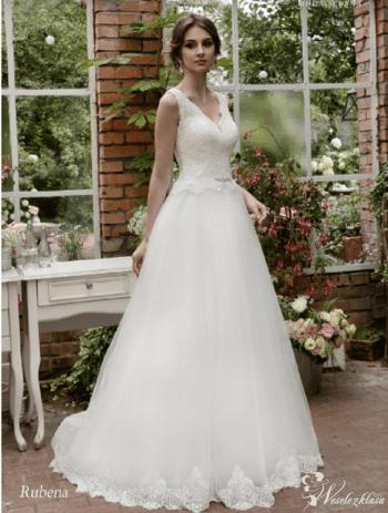 Moda ślubna Małgorzata Stojek, Salon sukien ślubnych Starachowice