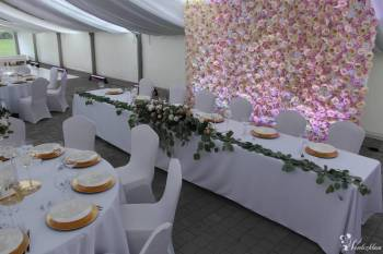Ścianka kwiatowa flower wall PODŚWIETLANE LED tło za Młodą Parą, Dekoracje światłem Nisko