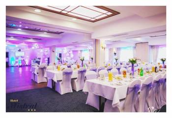Wasze niepowtarzalne przyjęcie w Hotelu Mistral***, Sale weselne Marki