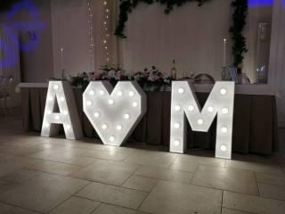 Świecące litery inicjały serce i napis LOVE,  Pruszków